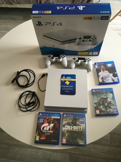 Annonce occasion, vente ou achat 'PS4 Slim White 500 Go en Etat comme neuf'