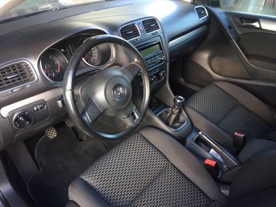 La grise VW Golf 1.6 tdi 105cv 5P
