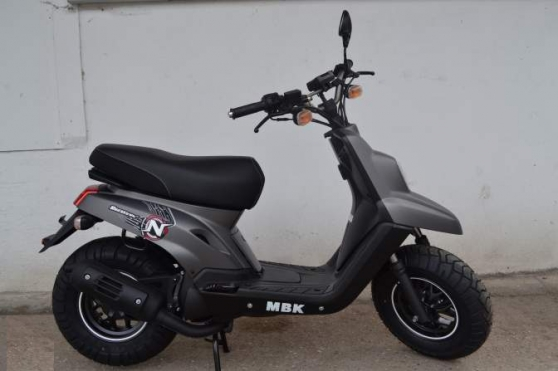 Annonce occasion, vente ou achat 'BOOSTER MBK 50 cc NAKED 2T neuf 13\