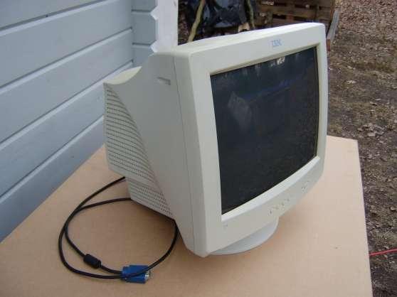 ECRAN ORDINATEUR IBM 17'' E74