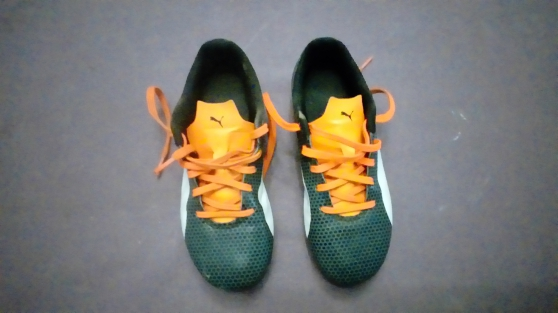 Chaussures de foot taille 34 - Photo 2