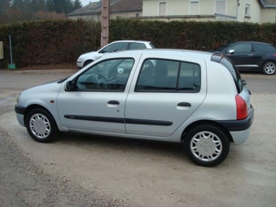 Renault Clio ii 1.9 dti rxe 5 portes à 1