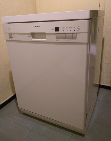 lave vaisselle très peu utilisé