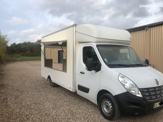 Annonce occasion, vente ou achat 'RENAULT MASTER 2012 150cv FOODTRUCK'