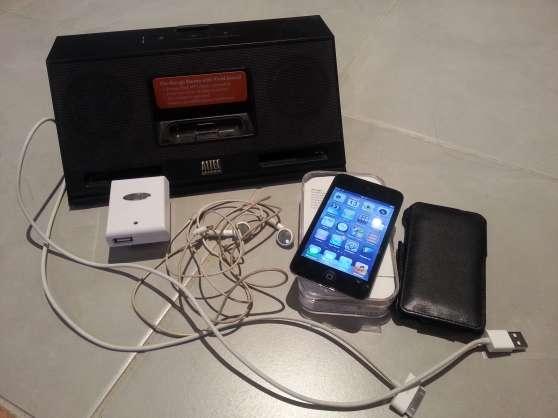 Annonce occasion, vente ou achat 'iPod Touch IV (4G) 32 Go noir + accessoi'