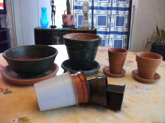 Annonce occasion, vente ou achat 'Lot de 4 pots de fleurs en terre cuite'