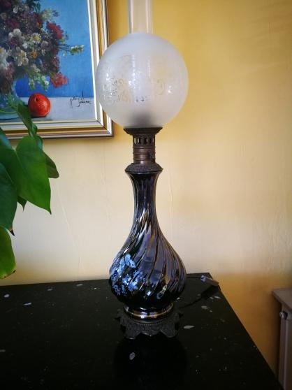 LAMPE DE SALON A POSER.