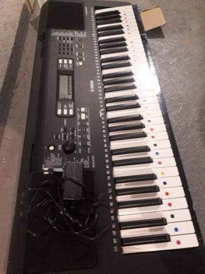 Annonce occasion, vente ou achat 'Piano électrique Yamaha modèle PSR-E363'
