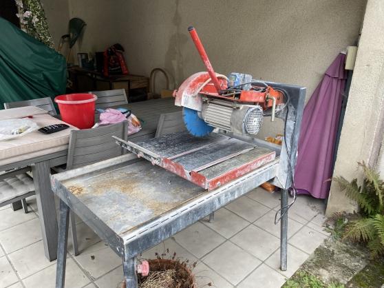 Machine à eau pour carrelage