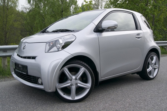 belle Toyota IQ 1.0 VVT-i,à variation co