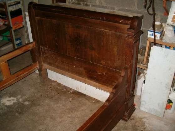 ancien lit bateau en ch ne et rouleau antiquit art brocantes armoires perrecy les. Black Bedroom Furniture Sets. Home Design Ideas