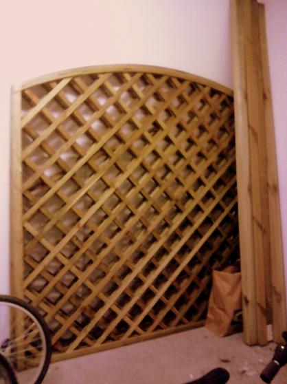 Le claustra treillis en bois exterieur
