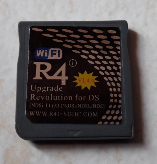 Annonce occasion, vente ou achat 'Carte R4i-SDHC V1.4.4 pour DSi et DS'