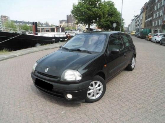 Annonce occasion, vente ou achat 'Clio 2 faible kilométrage contrôle techn'