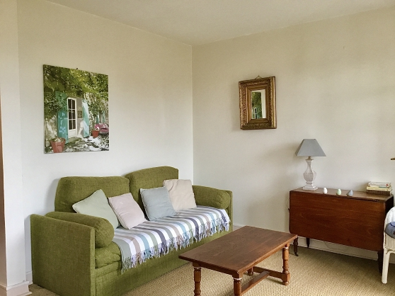 Studio meublé face à la mer avec jardin