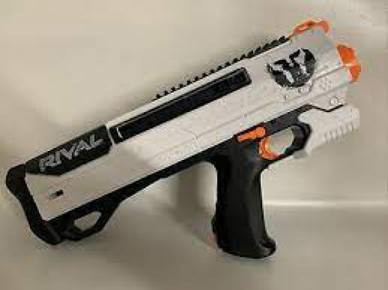 Annonce occasion, vente ou achat 'PISTOLET NERF HELIOS XVIII PHANTOM CORPS'