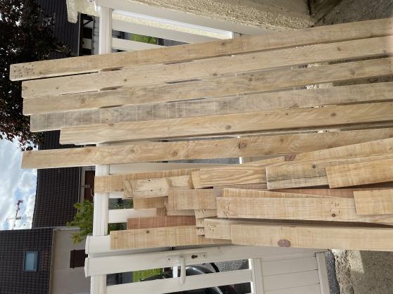 Lot de planches en bois
