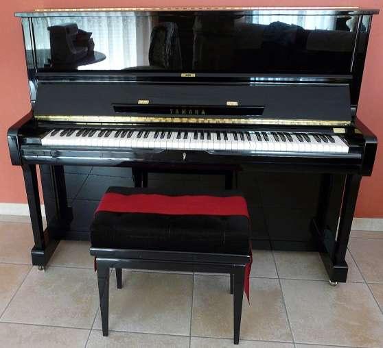 PIANO DROIT YAMAHA U1A NOIR ETAT NEUF !