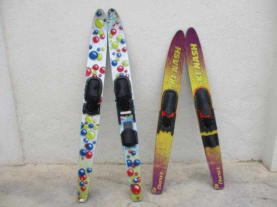 2 paires de ski nautique
