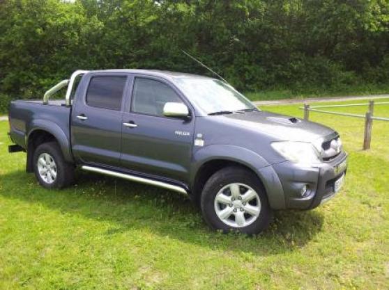 Annonce occasion, vente ou achat 'Toyota Hilux FULL OPTION serie Invincibl'