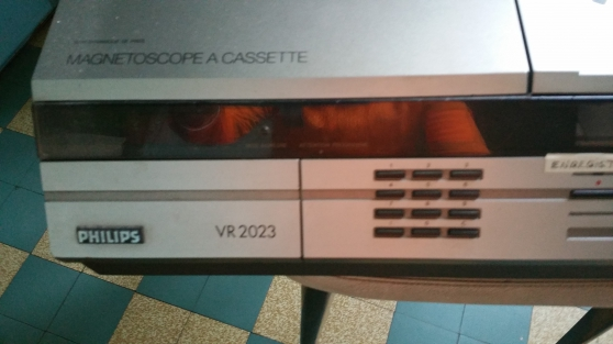 MAGNETOSCOPE V2000 ET VHS