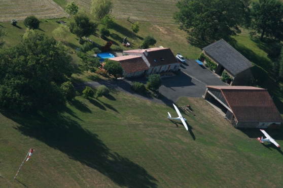 VILLAGE AERONAUTIQUE sur AERODROME PRIVE