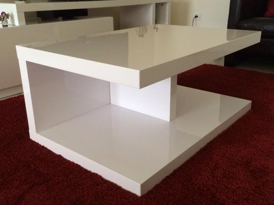 table basse alinea fontaine la mallet meubles d coration tables fontaine la mallet. Black Bedroom Furniture Sets. Home Design Ideas