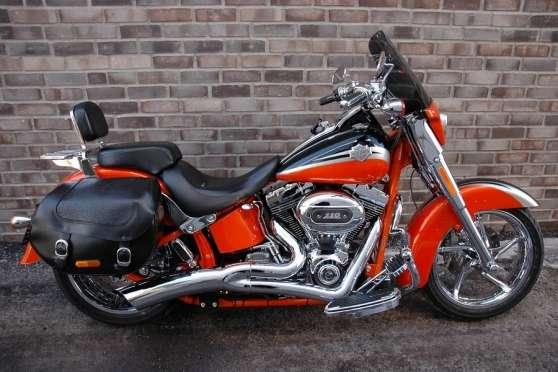 Harley-Davidson Softail Convertible FLST