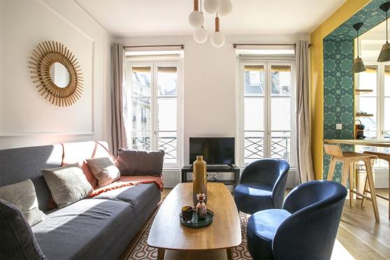 Studio meublé à Paris d'environ 29m2