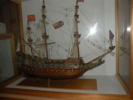 """Maquette unique du """"Sovereign of the sea"""