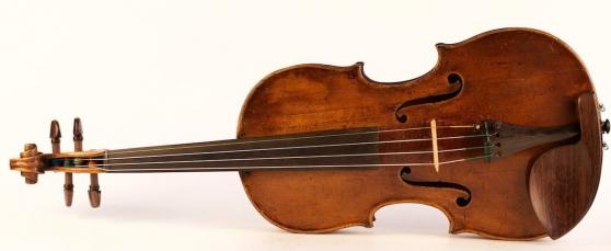 Ancien violon Antonio Testore 1741