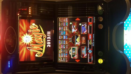 Annonce occasion, vente ou achat 'Jolie machine a sous Allemande 40 jeux !'
