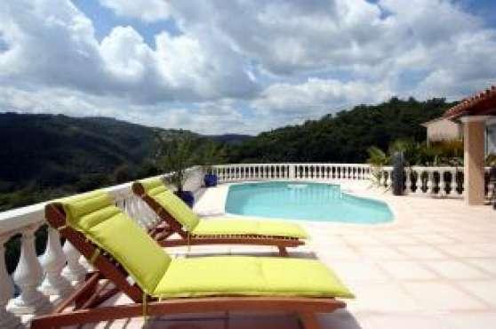 Belle villa piscine au calme absolu