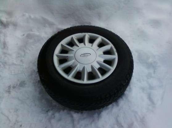 Affaire! 2 roues 13 pouces +pneus hivers
