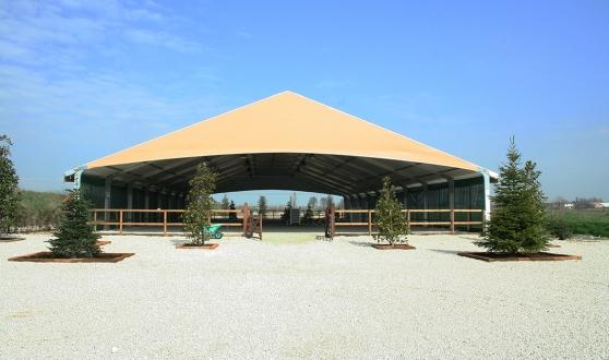 Man ge couvert d occasion sports equitation accessoires for Jardin couvert lyon