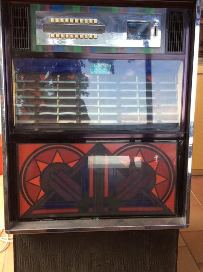 Jukebox en très bon état de marche