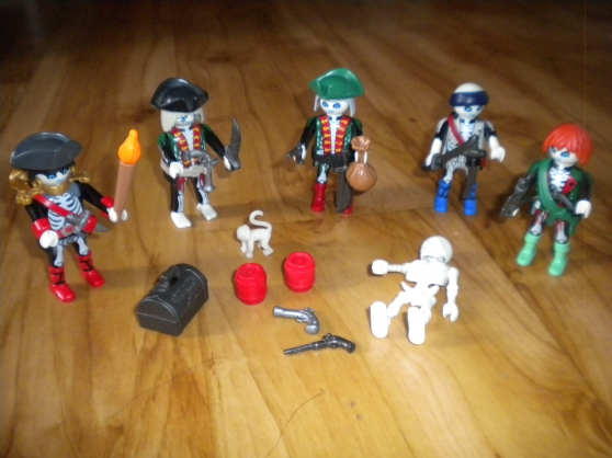 playmobil pirates fantomes