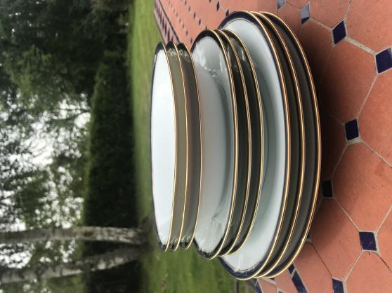 Service porcelaine complet très bon état