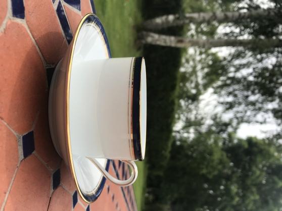Service porcelaine complet très bon état - Photo 2