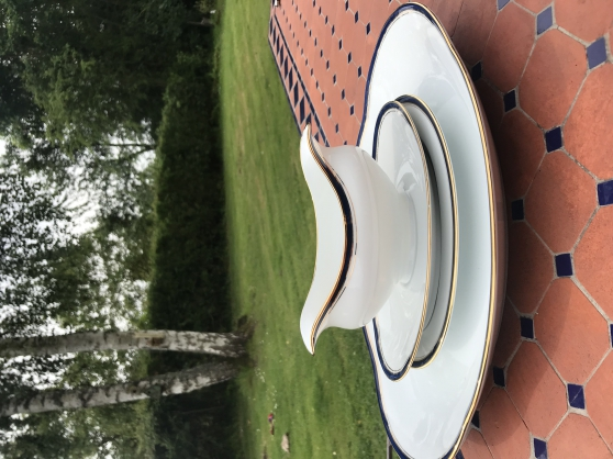 Service porcelaine complet très bon état - Photo 3