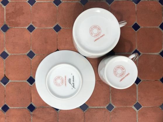Service porcelaine complet très bon état - Photo 4
