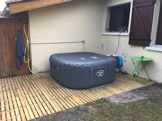 Annonce occasion, vente ou achat 'Spa gonflable HydroJet 4/6 places'