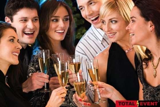 Petite Annonce : Emploi hôtesse de bar à champagne - Bar a champagne, 122 chaussee de bruges à roulers, 30 km de lille,