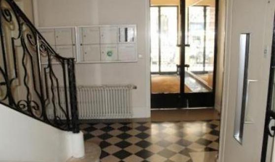 Studio rue La Boétie à Paris 8ème Dispo