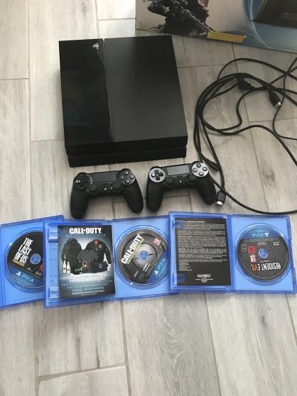 Annonce occasion, vente ou achat 'Playstation 4 avec 2 Manettes 3 Jeux'