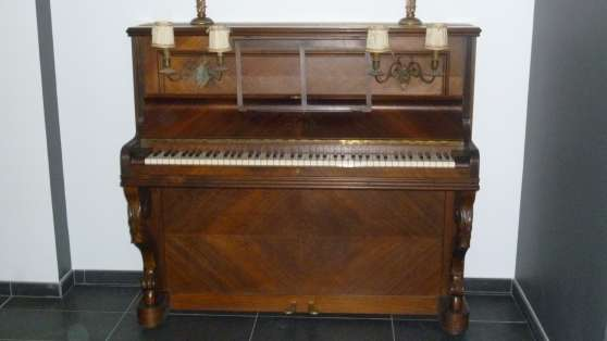 PIANO UCH