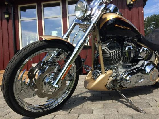 Harley-Davidson CVO Screamin Eagle