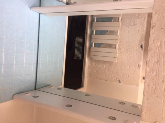 Miroir Salle de Bain avec Tablette - Marche.fr