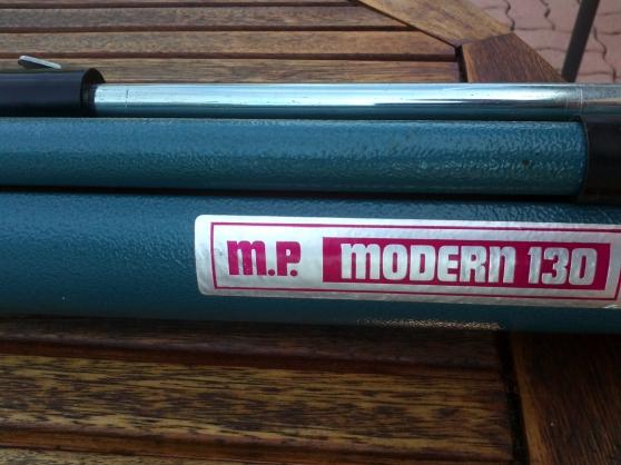 Ecran projection Modern 130 pied métal
