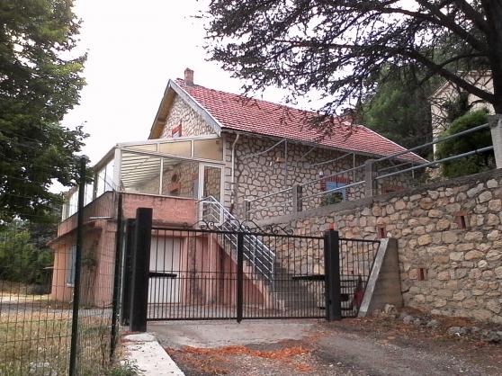 Annonce occasion, vente ou achat 'Villa T5 sur 2000 m2 de terrain'